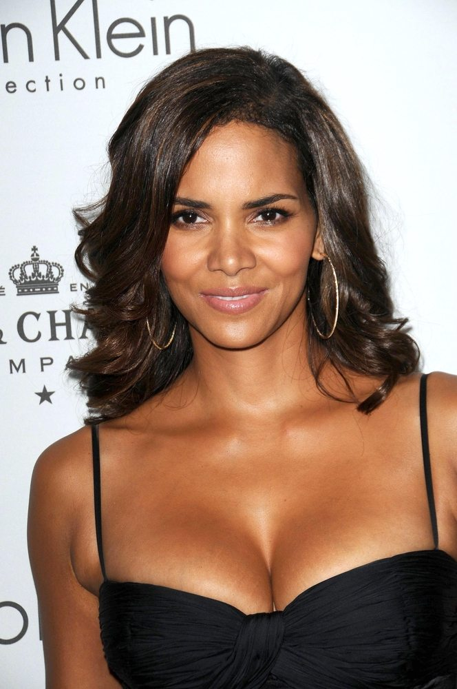 Halle Berry: 9th Most Beautiful Woman of all Time!