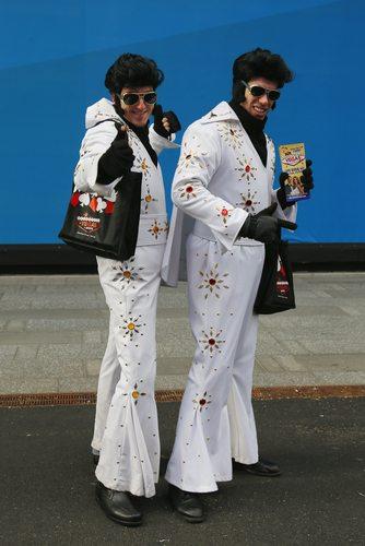 Twin Elvis Presleys!  Be still my heart.